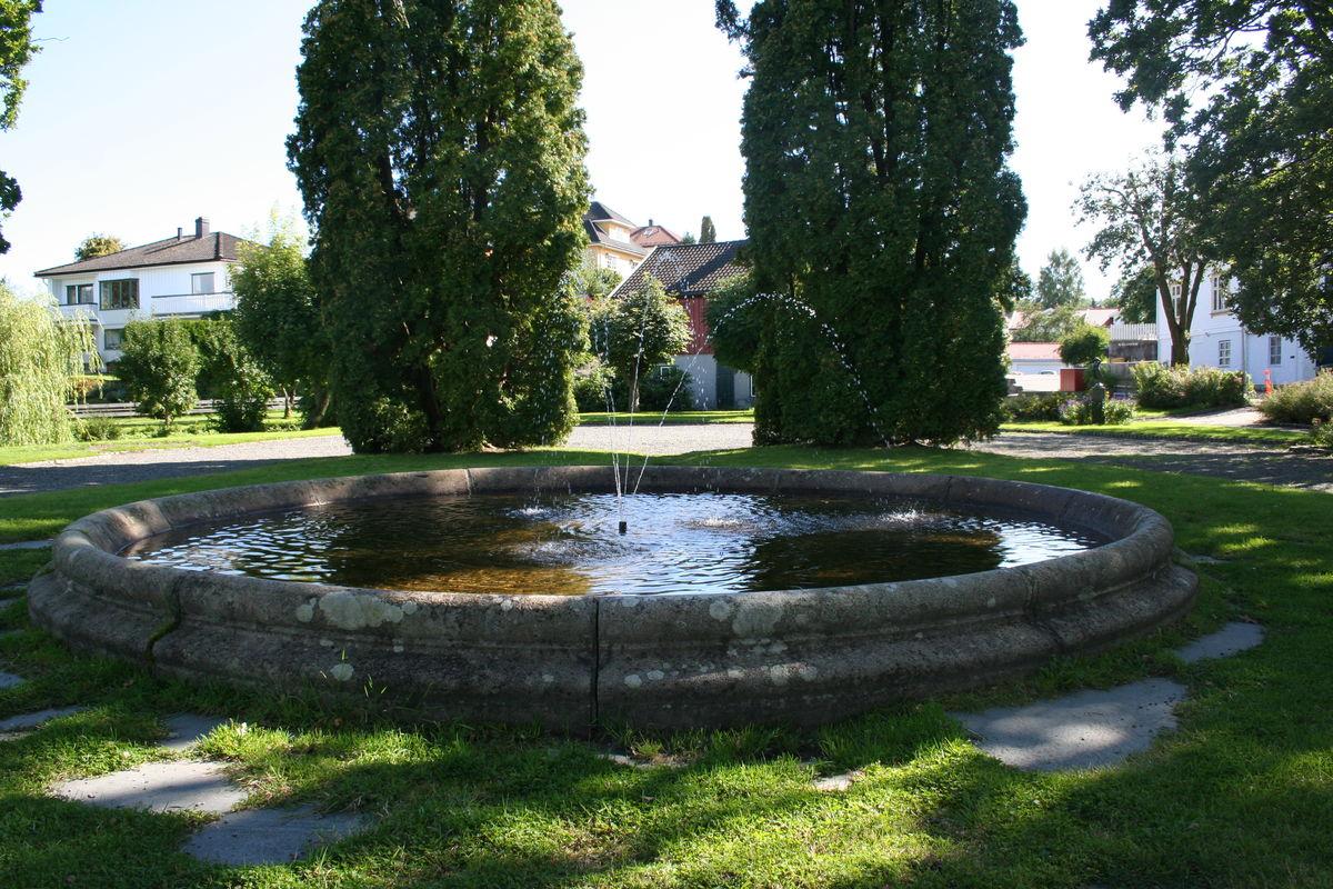 Minneparken, Stathelle