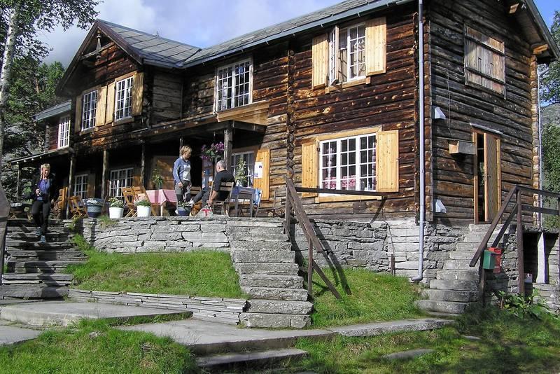 Turen går innom Vangshaugen - ei av de fineste turisthyttene i Norge.
