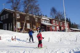 Vinterstemning ved Gjevivasshytta. -  Foto: Ukjent