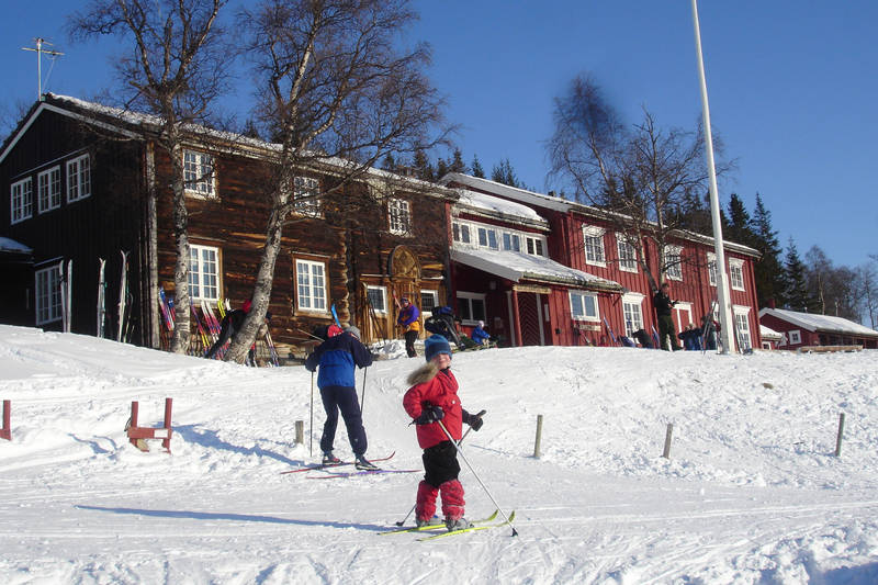 Vinterstemning ved Gjevilvasshytta.
