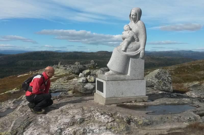 Et imponerende verk, ganske surrealistisk på en norsk fjelltopp