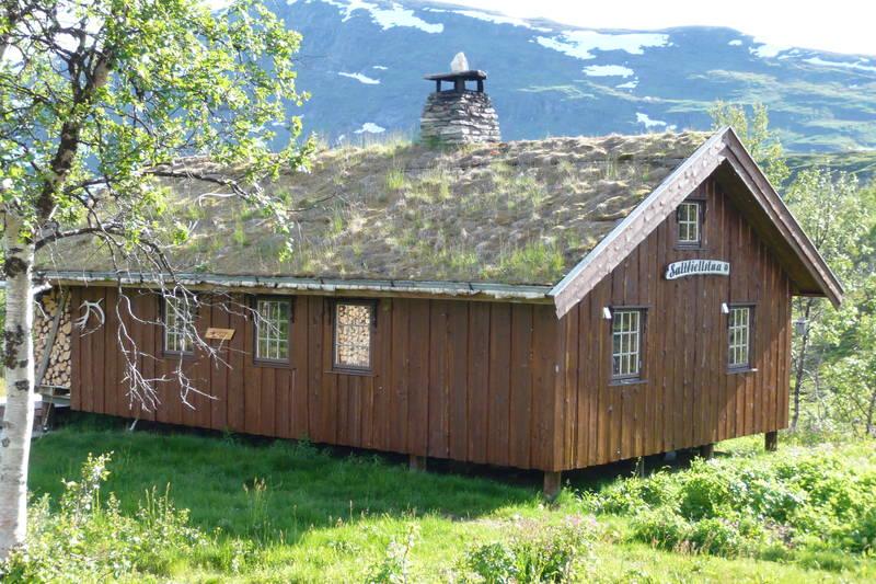Saltfjellstua - 6/7-08 Første gang på en DNT-hytte, og for et valg. Saltfjellstua er en virkelig perle!