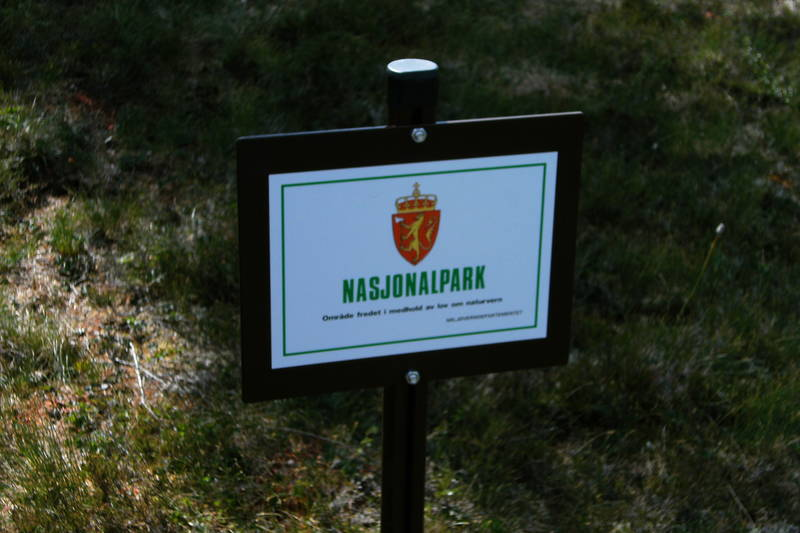 På veg fra Kvitfjellhytta til Prestøyhytta kommer du inn i Skarvan og Roltdalen nasjonalpark.