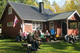 Turgruppas tradisjonelle høsttur 30.09.2012, med severing av sodd,kaffe og kake. - Foto: Tor Arild Fosby