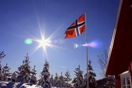 Flagget til topps - Foto: Telemark Turistforening