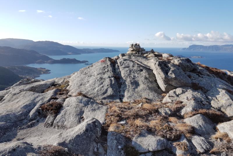 Toppen med Sildagapet, Silda og Stadlandet i bakgrunnen