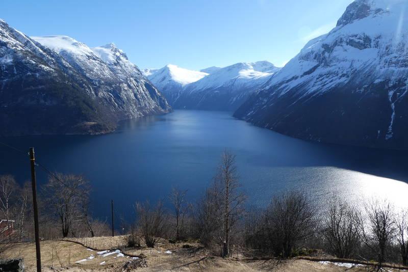 Fra utgangspunktet. Sunnylvsfjorden og Korsfjorden.