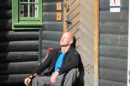 I sola på Jørgenhytta - Foto: Ukjent