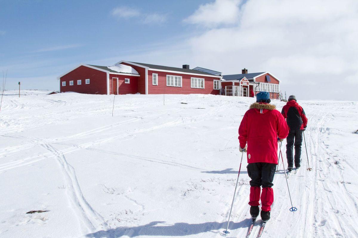 Skiløpere mot Mårbu.