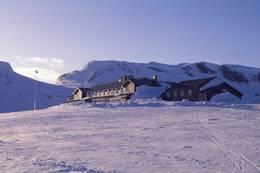 Gnistrende Finsehytta vinterstid - Foto: Per Roger Lauritzen
