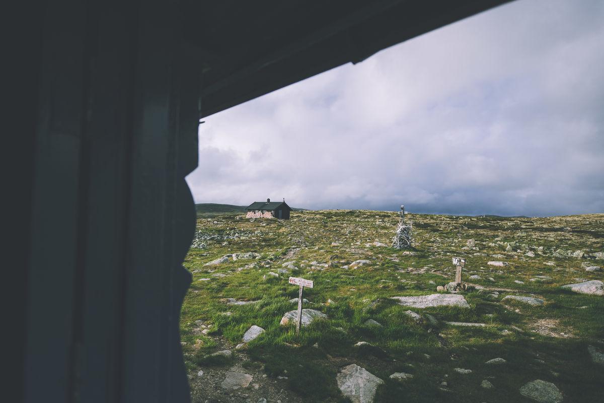 Lågaros ligger i krysningspunktet for flere merkede ruter på Hardangervidda