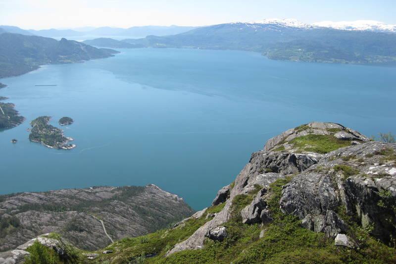 Utsikt ut fjorden, Herandsholmen