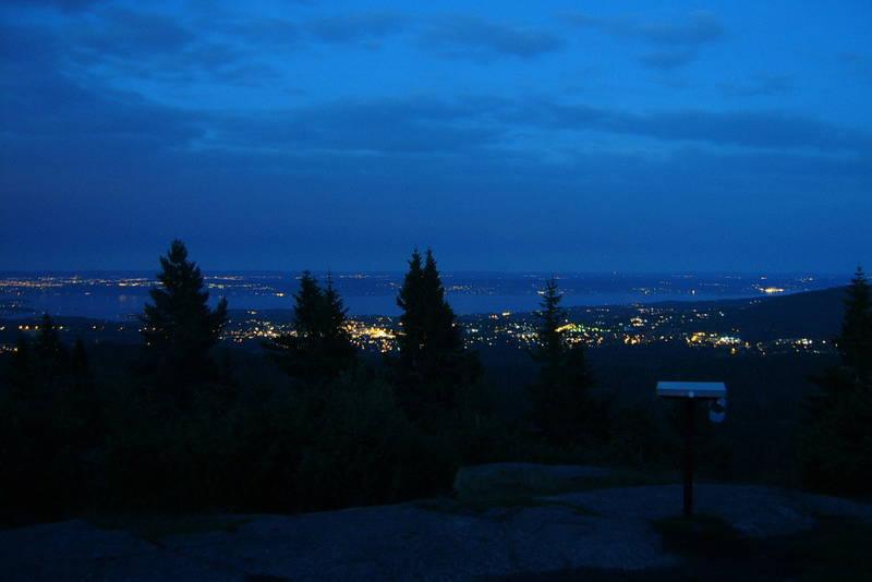 Utsikt fra Hovdehytta en varm sommerkveld!