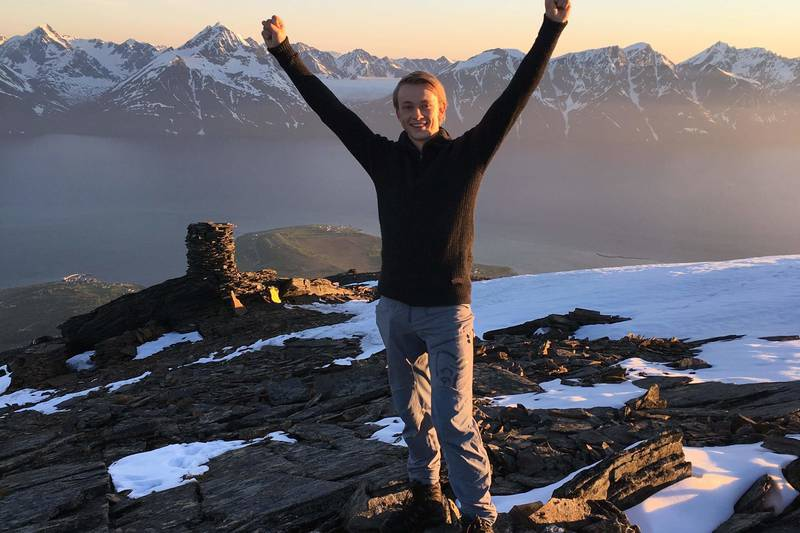 Adrian på toppen av Storhaugen.