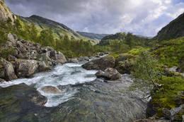 Kvanndalen nedre del. Her går elva stri i perioder. - Foto: Odd Inge Worsøe