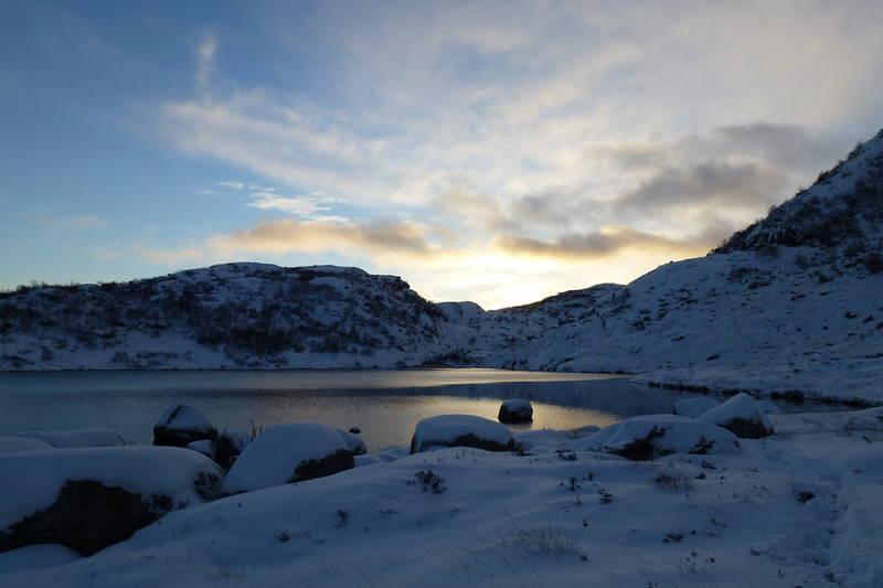 Fint turterreng rundt hytta. Her fra Øysteintjørn mot Stavtjørn.