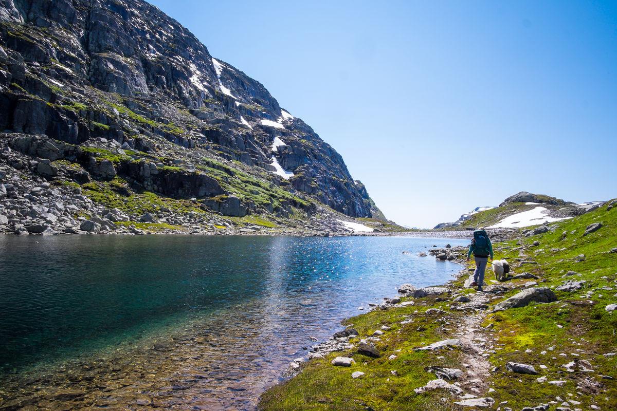 Turen fra Haukeliseter til Kvanndalen er lang og delvis svært ulendt, men gir til gjengjeld helt fantastiske naturopplevelser underveis.