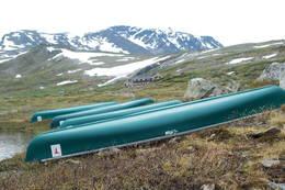 Kanoer til disposisjon på hytta. - Foto: Mari Kolbjørnsrud