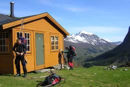 Klar for avgang fra Velleseter en strøken morgen - Foto: Knut Opdal