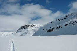 Skispor over Raudbervatnet ved Selhamar - Foto: Torill Refsdal Aase
