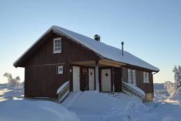 Vestfjellhytta i januar - Foto: Ragnvald Jevne