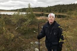 PÅ tur med 70 års fødselaren ved Kolltjønn - Foto: Jan Gunnar Bjørke
