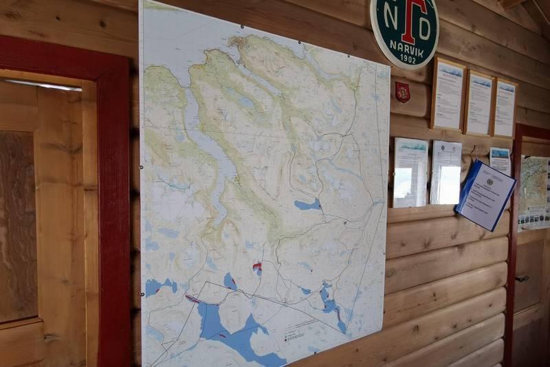 Kart og infovegg