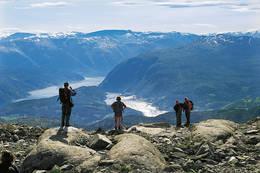Utsikt mot fjorden fra ruten Hallingskeid - Kaldevass - Ulvik - Foto: Torill Refsdal Aase