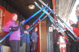 Åpning av Breistølbu søndag 10. februar. Ved Bedriftsturlaget til DNT Oslo og Omegn. - Foto: