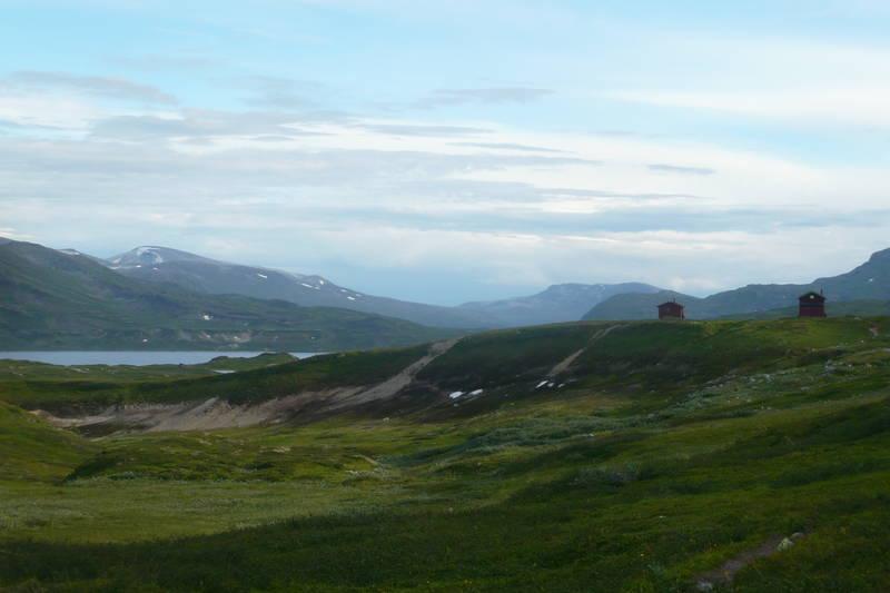 Midtistua med Søre Bjjøllåvatn til venstre, august 2010.