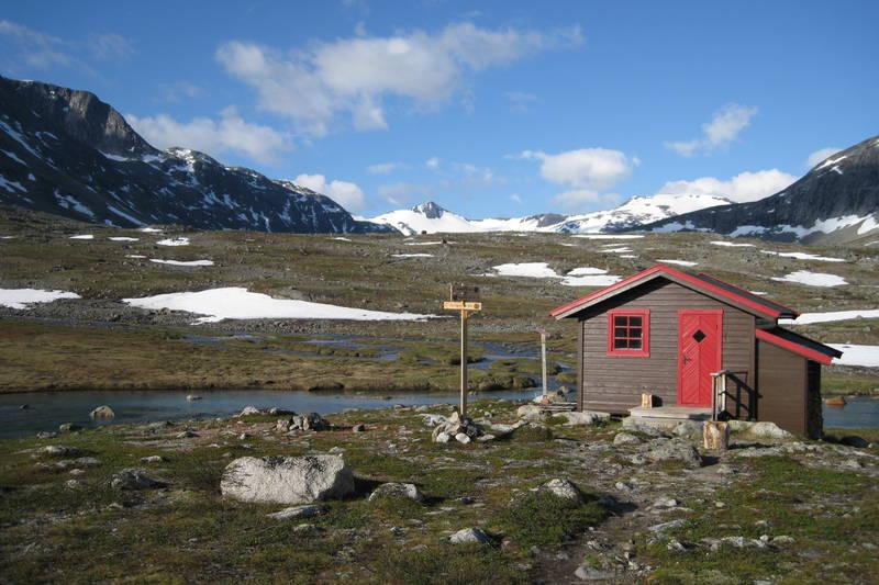 Hunddalshytta juli 2010 - det smukkeste beliggende utedo i fjellet.