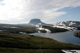 Torehytta og Hårteigen - Foto: Olav Kiland