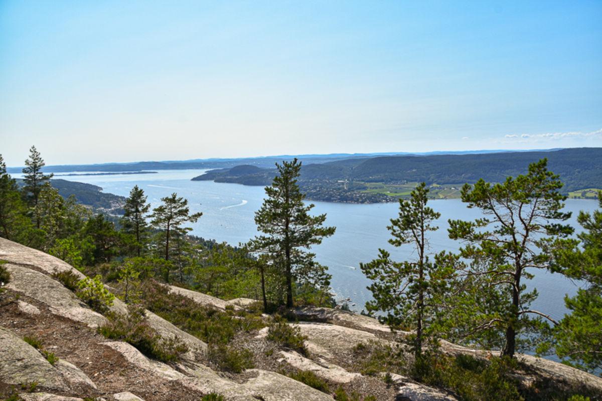 Utsikt mot sørvest fra Knivsfjellet