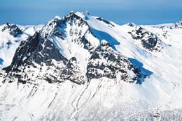 Nordre Sætretind fra øst. Kvanndalen til venstre. Nedkjøring fra toppen i midten og ned den store flanken -  Foto: Fri Flyt