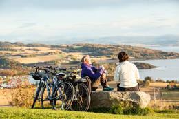 Syklister på Øyna - Foto: Will Lee Wrigth