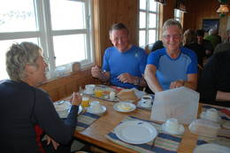 Hyggeleg frokoststemning - Foto: Sverre A. Larsen