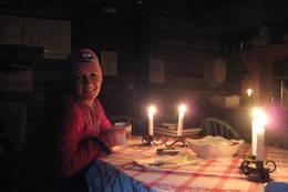 Hyttekos på Orkelsjøhytta etter en 5 timers gåtur fra Oppdal [randisoelm@hotmail.com, 90970939] -  Foto: Randi Solem