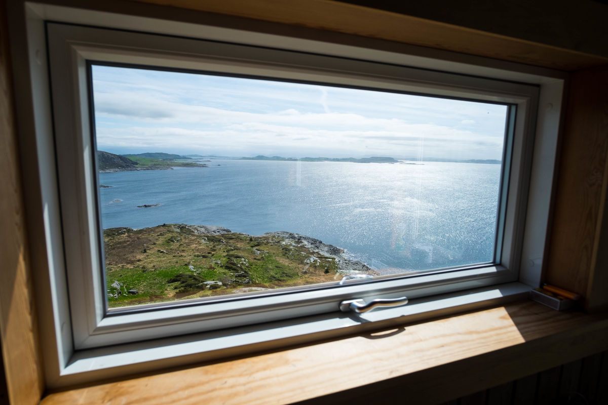 Utsikt fra kjøkkenvinduet.