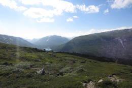 Utsikt mot Mysubuttdalen og Surtbyttdalen, ikke langt fra Sota Sæter. - Foto: Frederik Emil
