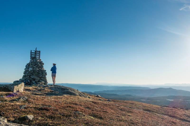 Nydelig utsikt fra toppvarden på Vardefjell