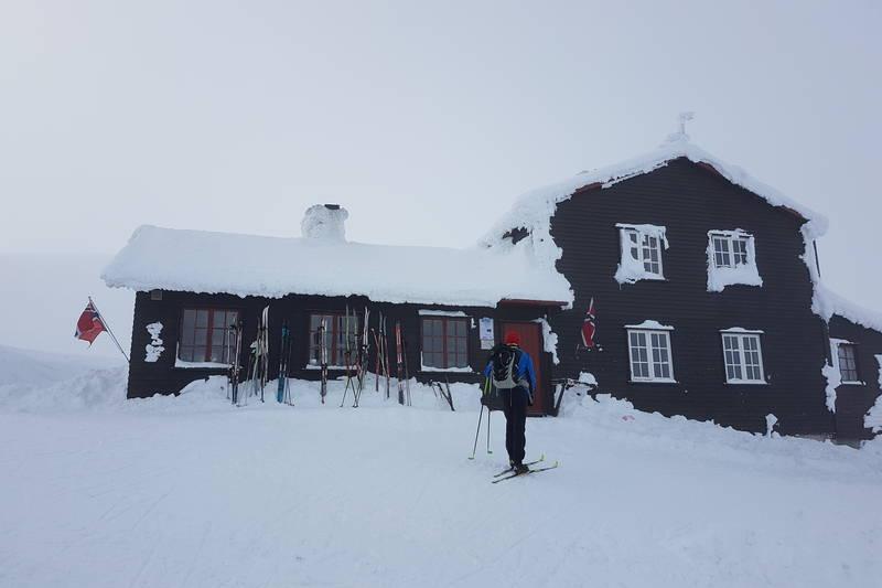 DNT-hytta Høgevarde om vinteren.