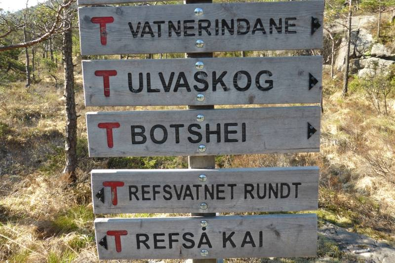 Her er Refså kai nevnt som turmål.