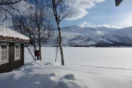 Kjempåtind sett fra hytta - Foto: Åshild Bjørnådal