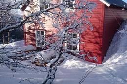 Ein snørik vinterdag på Knekkevasshytta - Foto: