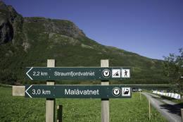 Turen starter ved skiltet -  Foto: Kjell Fredriksen