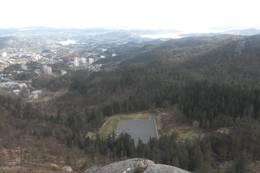 Fra Olsokfjellet mot Nordnæsdalen og Fyllingsdalen -  Foto: Tore F Nilsen