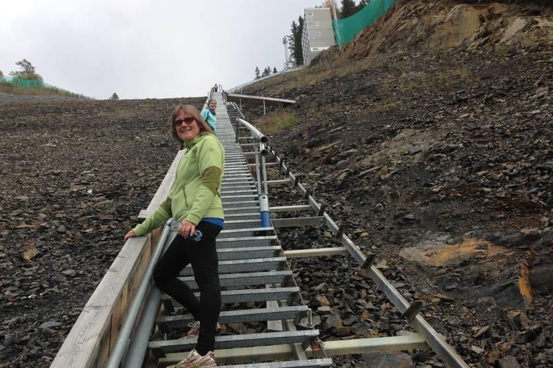 Blide trappegåere på trappetrim.