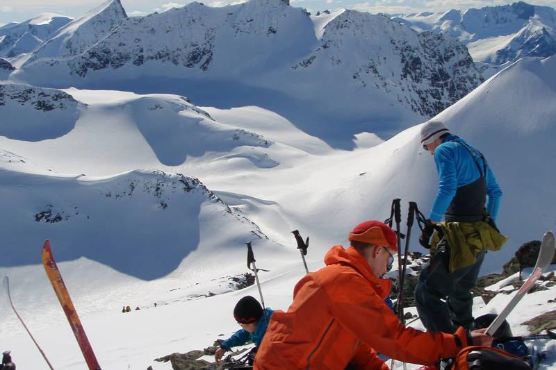 Brunstadhornet er en av toppene som er tilgjenglig fra Velleseter. Slogen i bakgrunnen.