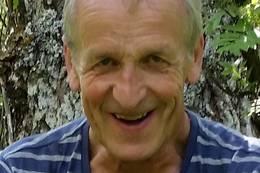 Lars Schelderup er tilsyn på hytta - Foto: