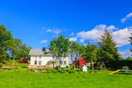 Hus langs veien - Foto: Gunnar E Nilsen